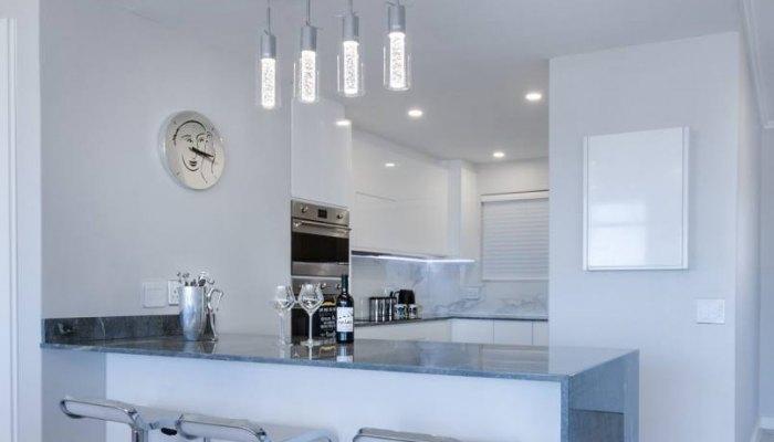 lampa-sufitowa-w-kuchni-3